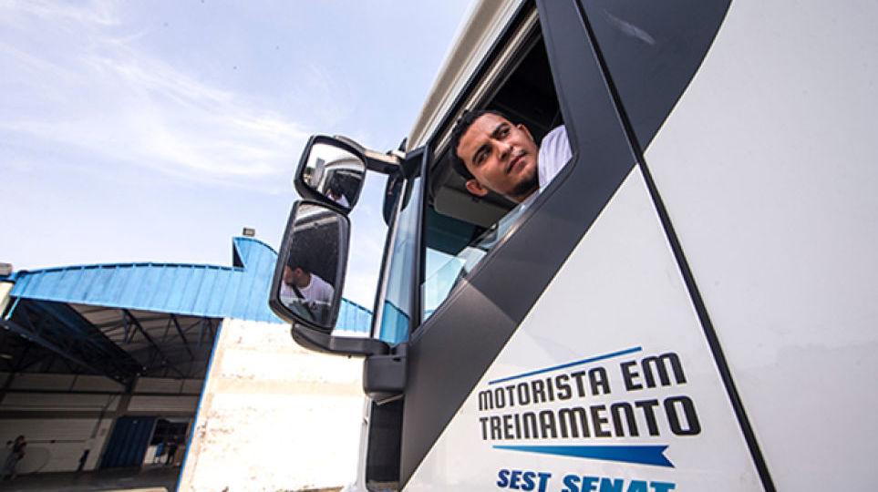 conheca-cursos-que-habilitam-motoristas-para-atividades-especializadas